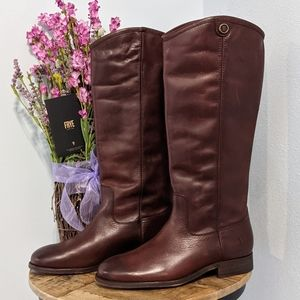 New Frye Melissa Button 2 Redwood boots size 7